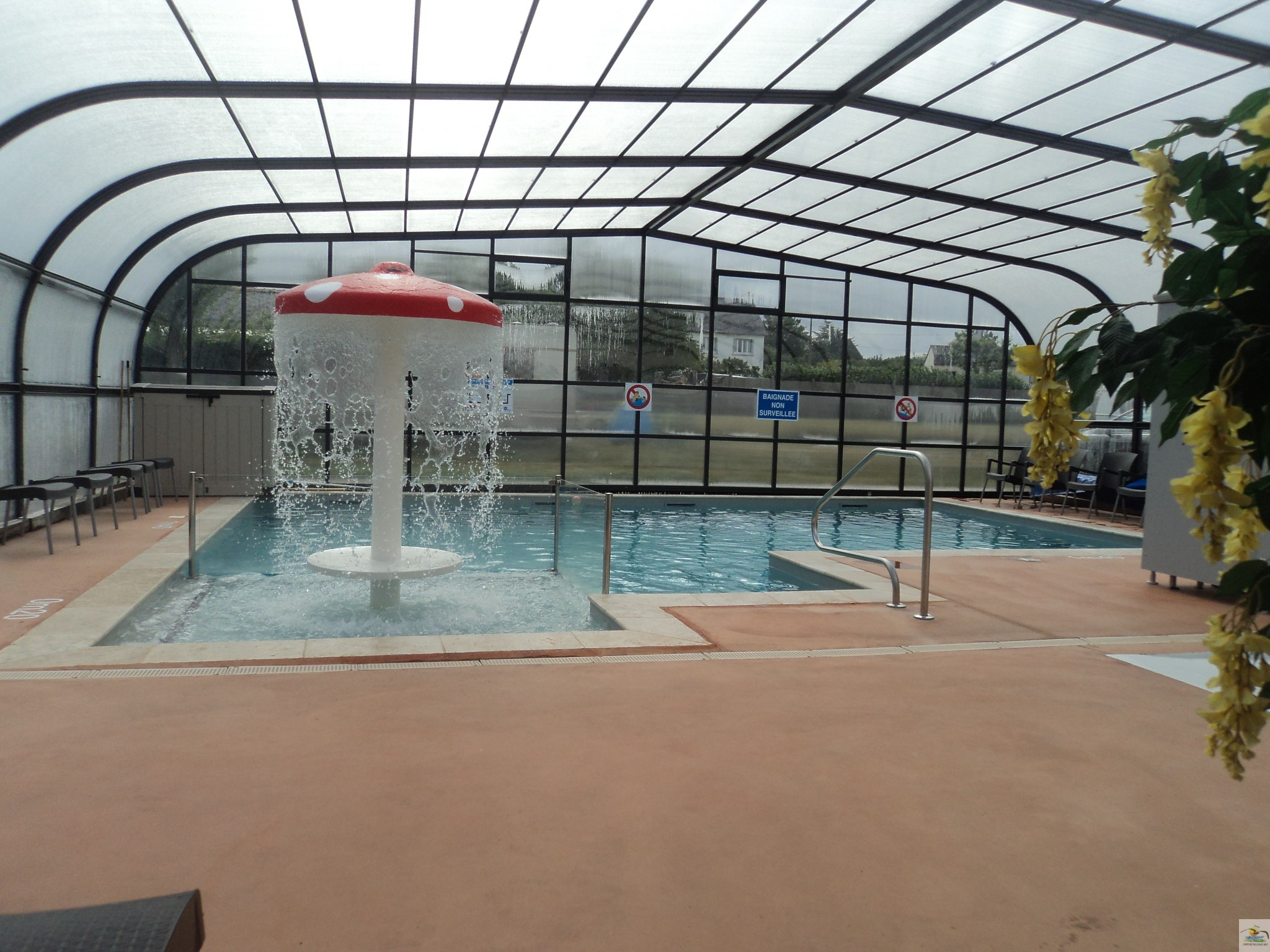 Camping Vannes Piscine Couverte Photos Monterblanc